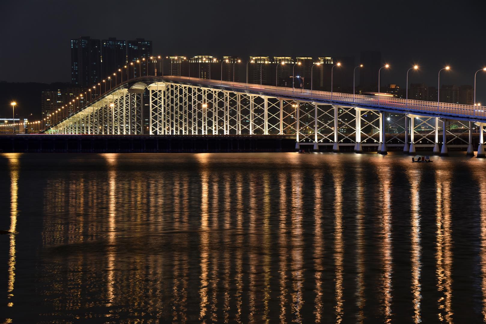 Macau Bridge Night (Large)