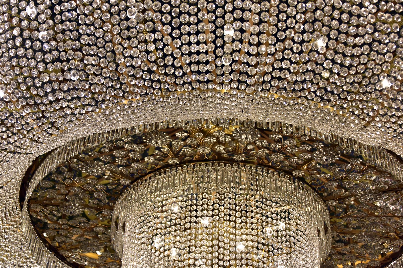 Macau - Chandelier in Grand Lisboa Hotel (Large)