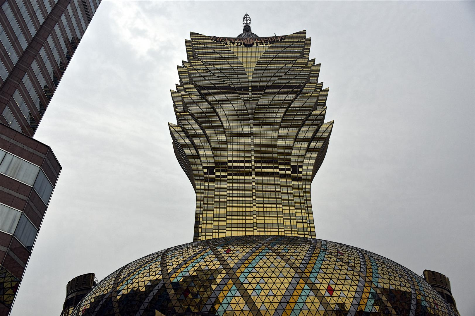 Macau - Grand Lisboa Hotel and Casino (Large)