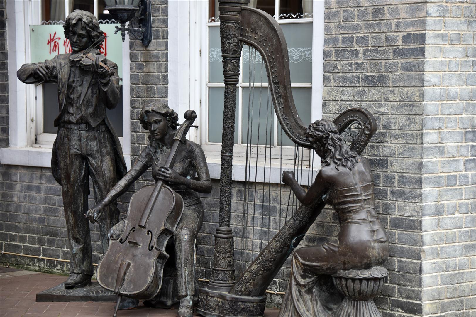Macau - Statue - Musicians (Large)